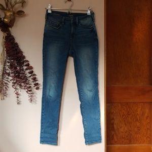 NYDJ size 0p Alina jeans
